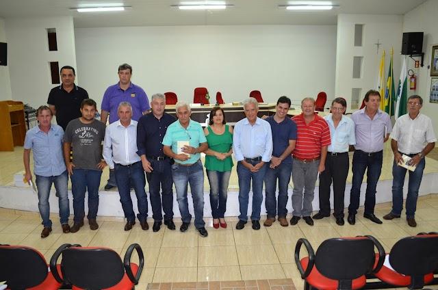 Pré-candidatos recebem deputados em Roncador