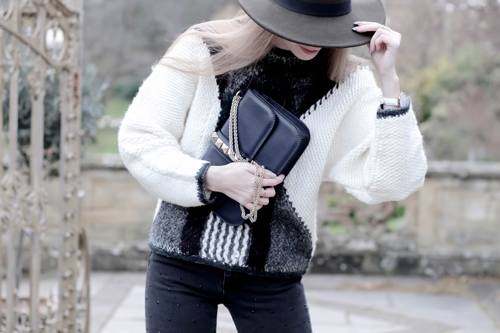 Autumn Winter Styling Khaki Hat Fashion Blogger