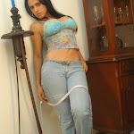 Andrea Rincon, Selena Spice Galeria 34 : Blue Jean Y Blusa Con Flores Foto 40