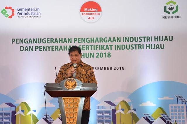 Menperin Serahkan Penghargaan Industri Hijau Kepada 143 Perusahaan