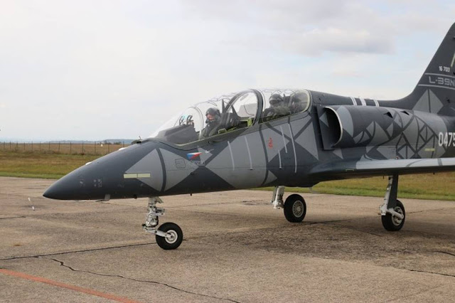 Senegalese Chief Air Force flies L-39NG