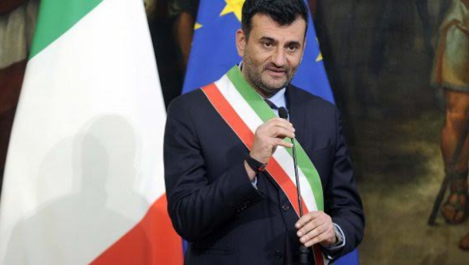 Decaro è il sindaco più amato dagli italiani