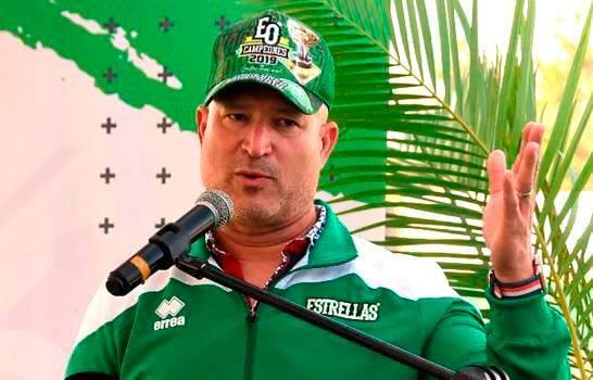 Estrellas Orientales desmienten renuncia Manny Acta como gerente general