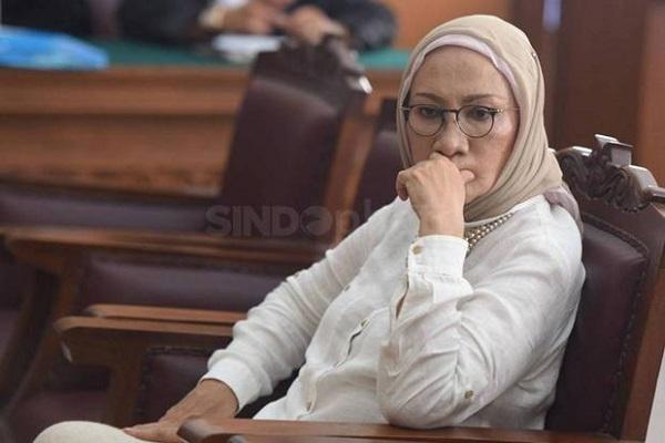 Pembebasan bersyarat Ratna Sarumpaet terkait kasus penyebaran hoax