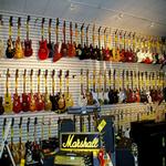 music store in spanish