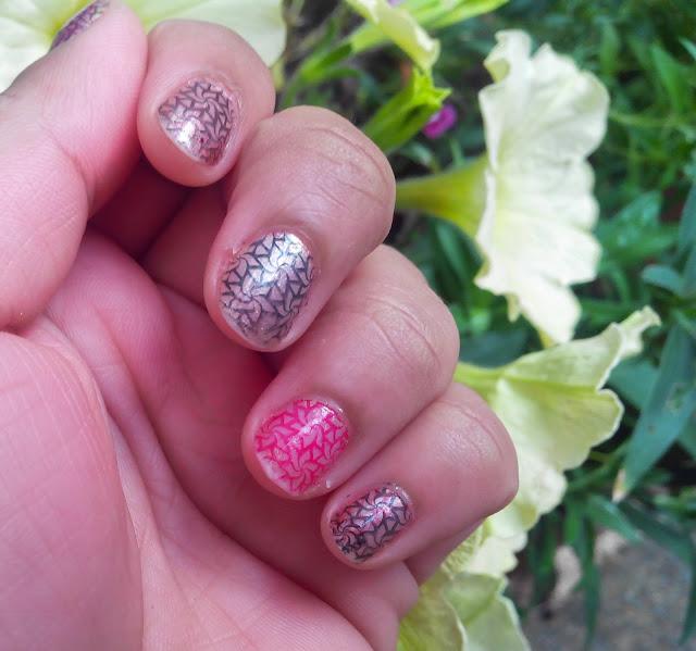 DIY nail design - trendy nail art - nail polish - nail nail stamp