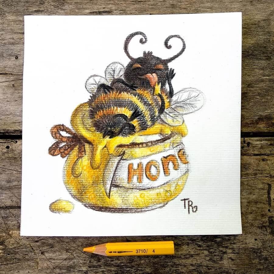 05-Bumblebee-and-honey-Tatyana-Romanova-www-designstack-co