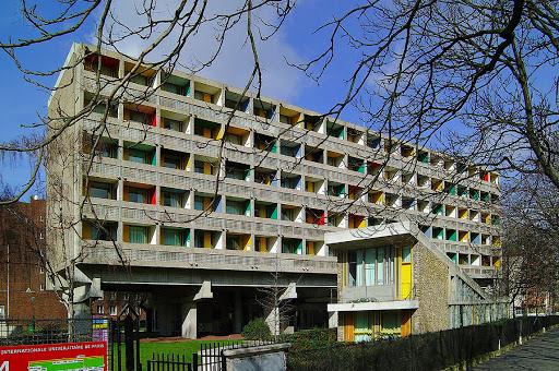 Maison du Bresil à la Cité Universitaire de Paris (Le Corbusier-Costa 1959)