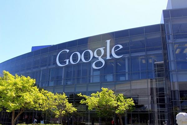 La CE amplía la acusación contra Google por favorecer su servicio de compras