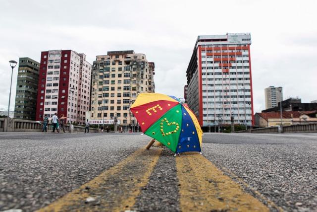 Auxílio emergencial para artistas e grupos carnavalescos começa a ser pago nesta sexta-feira