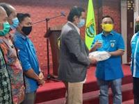 Plt Bupati PALI Terima Bantuan Ribuan Masker dari Haris Pertama Ketum DPP KNPI