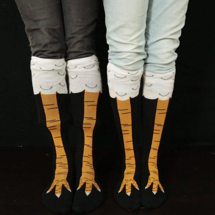 19 Hilarious Pictures Of The New Trend Called Chicken Leg Socks