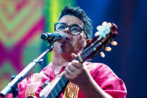 Preemergencia: Joe Vasconcellos sigue estrenando versiones de su último concierto en Movistar Arena