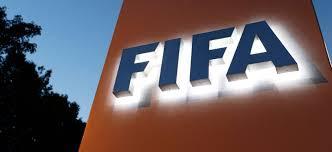 FIFA comunica las fechas del mercado de fichajes .