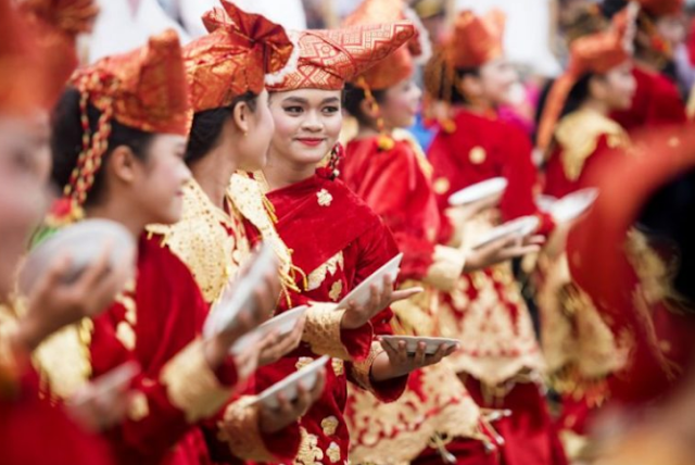 Budaya Lokal di Indonesia
