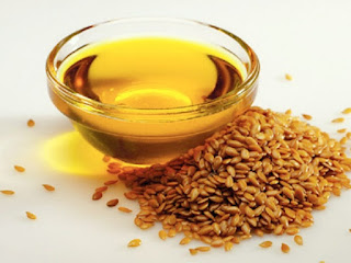 فوائد زيت بذر الكتان للبشرة وطريقة استخدامه للبشرة الجافة والبشرة الدهنية