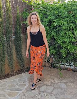 falda volantes naranja verano