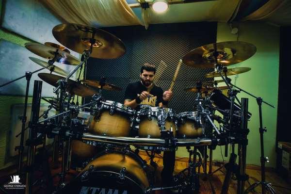 SERENITY BROKEN: Παρουσιάζουν τον νέο τους drummer