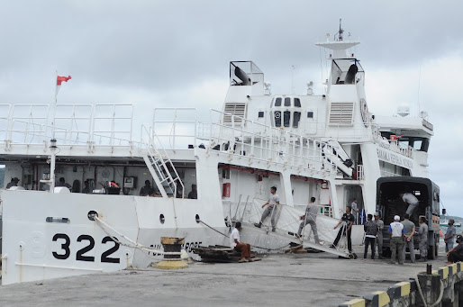Bakamla Distribusikan Bansos dan Alkes di Kepulauan Talaud