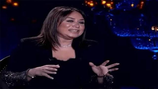 بكاء إنجي علي بعد سؤالها حول سبب وفاة شيرين المفتي