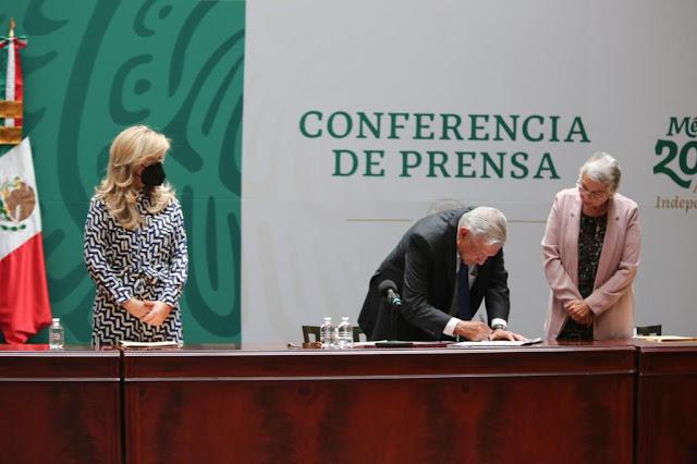 AMLO firma con Ejecutivos estatales Acuerdo Nacional por la Democracia