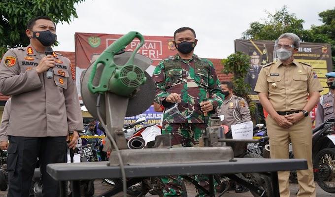 Danrem 061/Sk Suport Polresta Bogor Tindak Tegas Pengendara Roda Dua Knalpot Racing tidak Standard