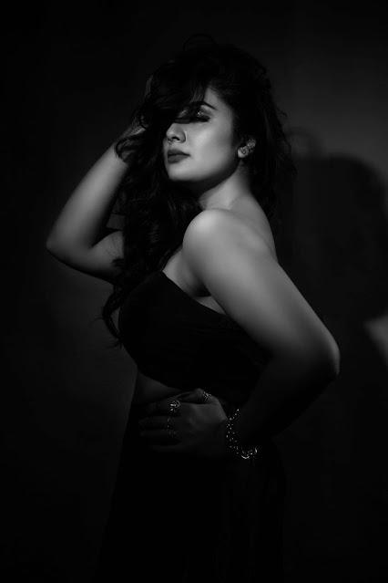 Telugu Anchor Sreemukhi Black and White Latest Photos Navel Queens
