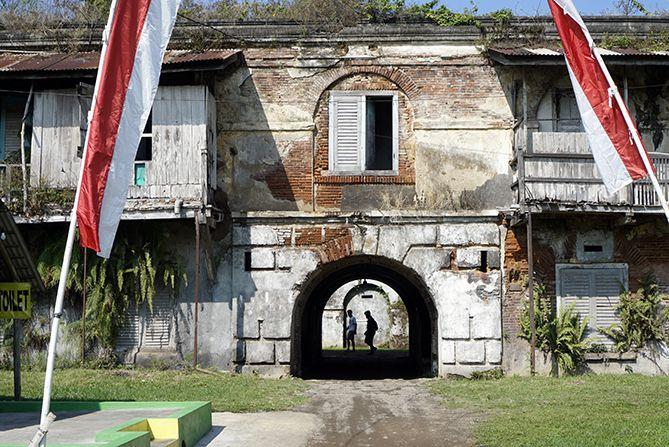 Lorong masuk utama Benteng Willem Ambarawa