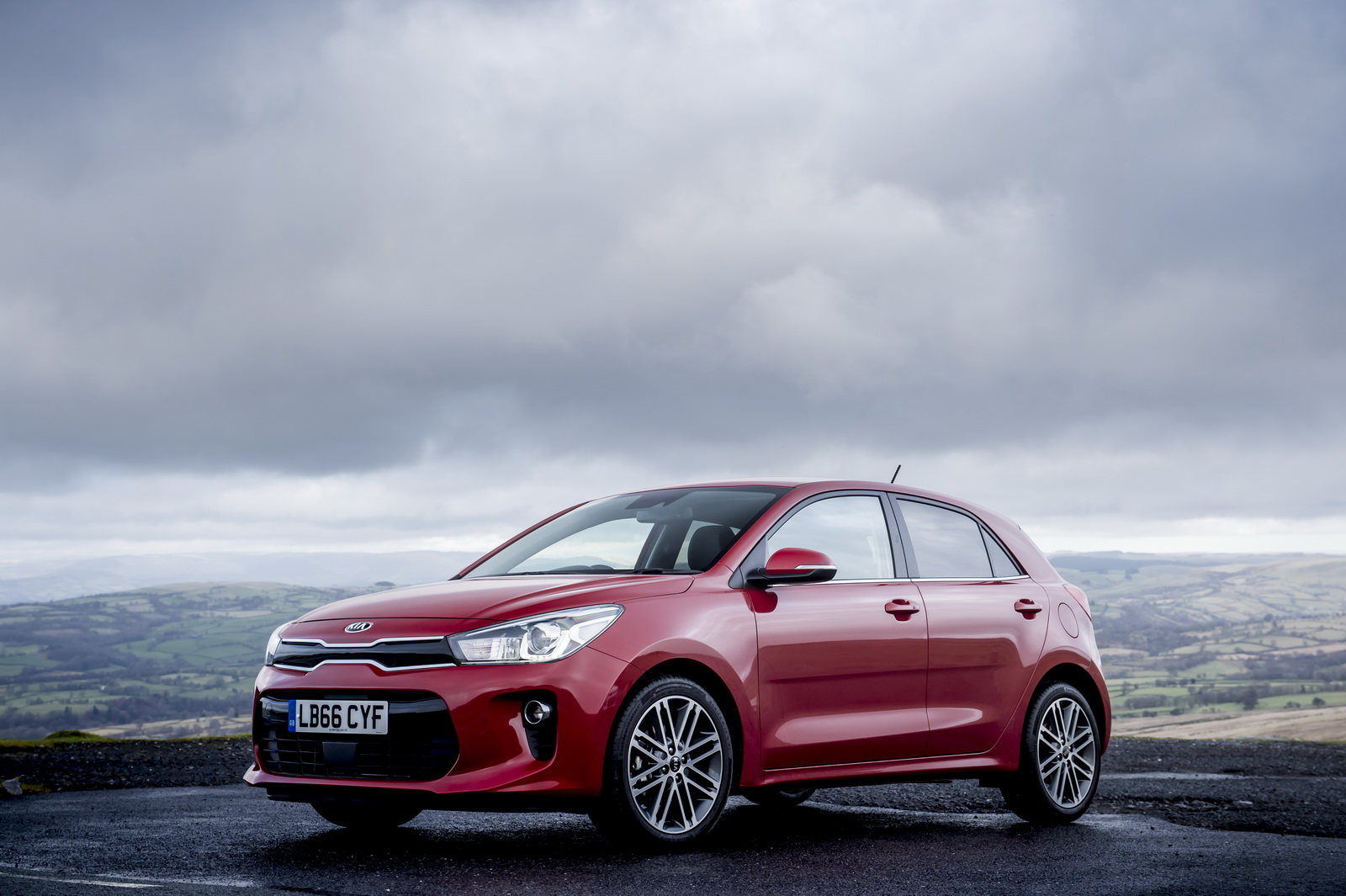 new kia rio launched in the uk starts from 11 995 33 pics carscoops. Black Bedroom Furniture Sets. Home Design Ideas
