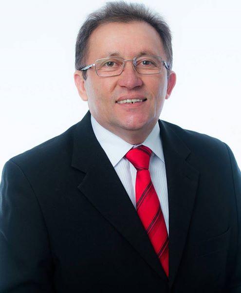 Resultado de imagem para prefeito de Lagoa Grande Chico Freitas