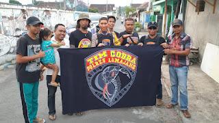 """Batik """"GLOW IN THE DARK"""" Bentuk Apresiasi Pembantik Terhadap Kinerja Tim Cobra Polres Lumajang"""