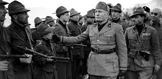 Mundo Colegial Benito Mussolini
