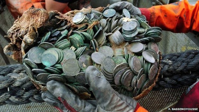 Look at the Treasures That Were Found in the Bottom of the Atlantic Ocean! CHECK IT OUT!