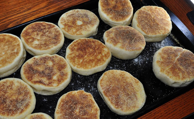 ENGLISH MUFFINS - PAN CASERO