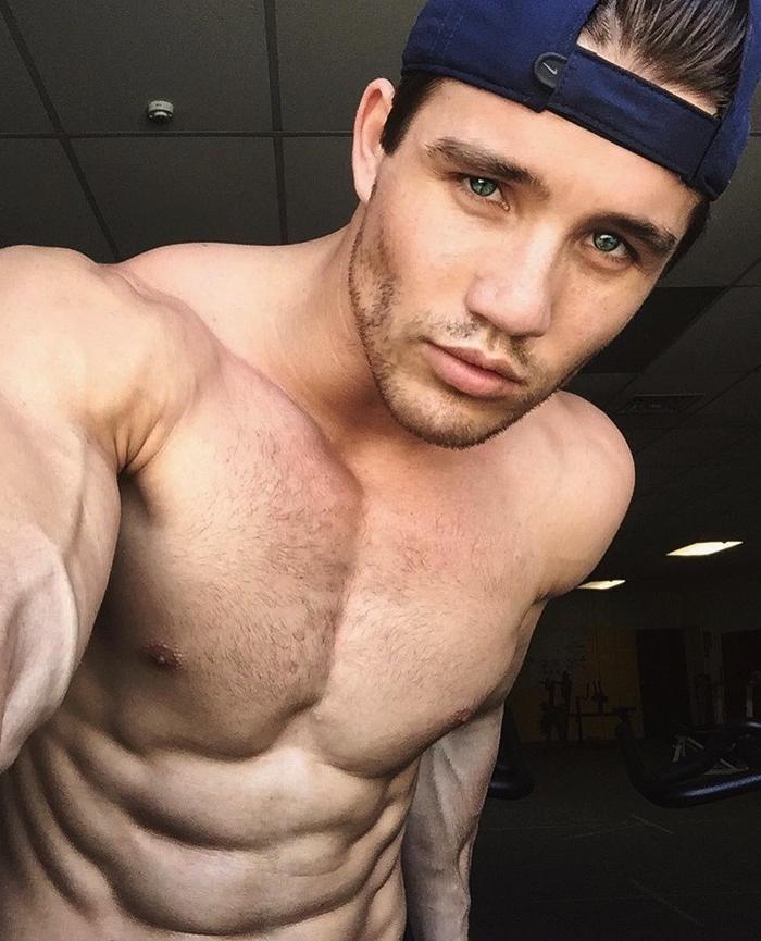 sexy-scott-bailey-shirtless-bad-boy-abs-body-tony-oller-selfie