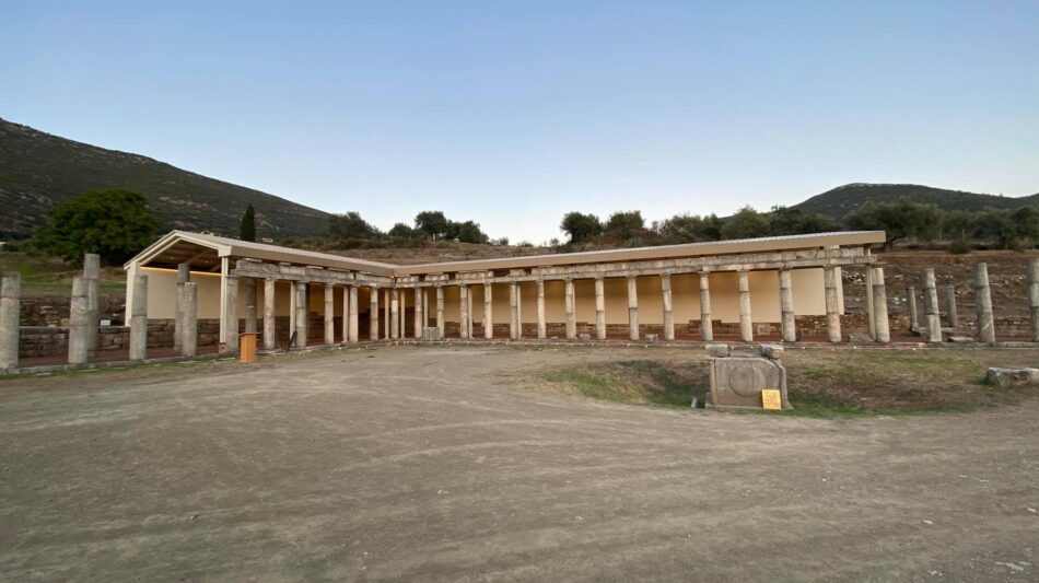 Εγκαινιάστηκε το στέγαστρο στη βορειοανατολική στοά του Γυμνασίου στην Αρχαία Μεσσήνη