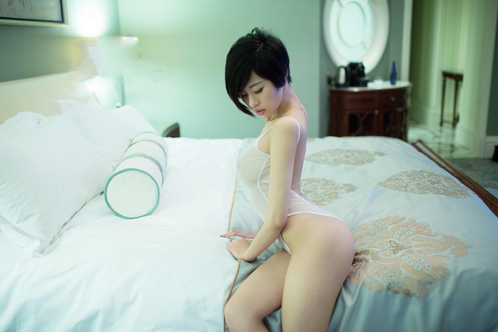 Goddess Sexiest Babe Lina 推女郎 Transparent Lingerie With Pink Nipple