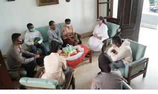 Kapolres Probolinggo Kota Kunjungi Siswa/Siswi Asal Papua Di Asrama Yayasan Dharma Bakti LKSA