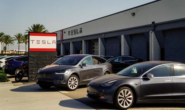 Tesla removes some drivers from the self-driving test
