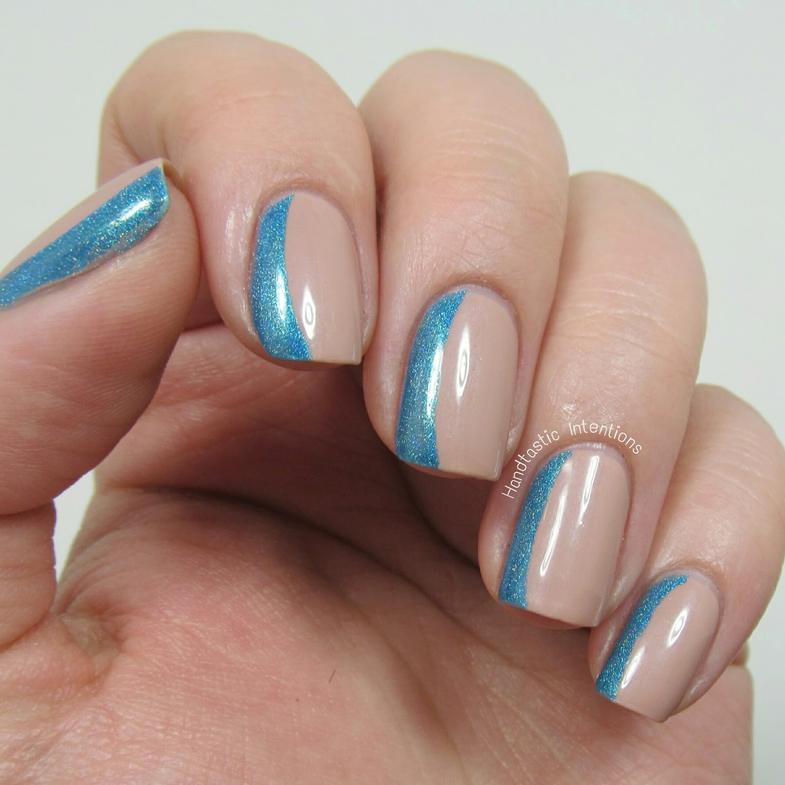 Handtastic Intentions: Side French Nail Art