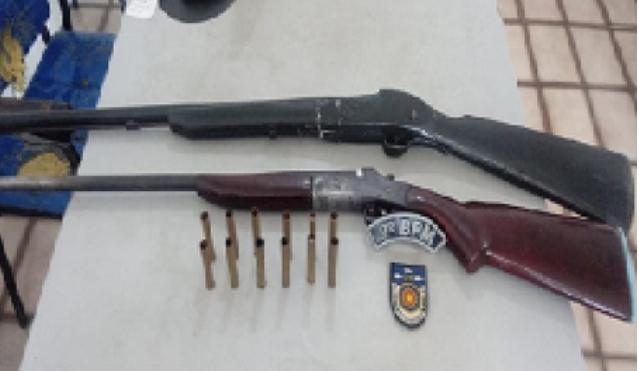 Em Água Branca, idoso de 61 anos é preso por porte ilegal de arma de fogo e munições após atirar em cacharro