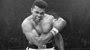 """The Greatest"" -Muhammad Ali-(1942,జనవరి 17- 2016, జూన్ 4 )American professional boxer-life history-విశ్వ విఖ్యాత బాక్సర్ ముహమ్మద్ ఆలీ- బాక్సింగ్ అంటే ఆలీ, ఆలీ అంటే బాక్సింగ్ అన్న స్థాయిలో గుర్తింపు -జీవితవిశేషాలు"