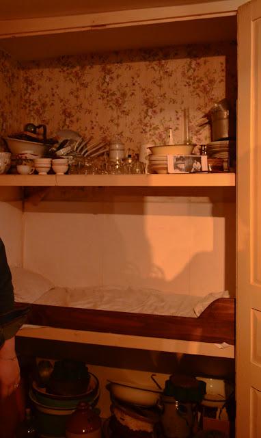 Le lit de coin fait pour être adossé sur un mur La Maison de la Beurière à Boulogne-sur-Mer