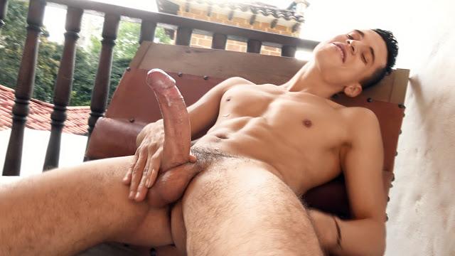 Freshmen - Dario Martinez