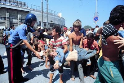 LO STADIO LAGER - L'INFERNO DEGLI ALBANESI A BARI NEL 1991