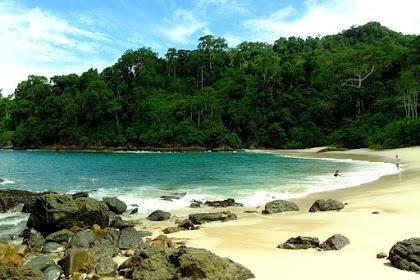 Wow!! Indahnya Pantai Teluk Hijau Yang Sangat Menantang