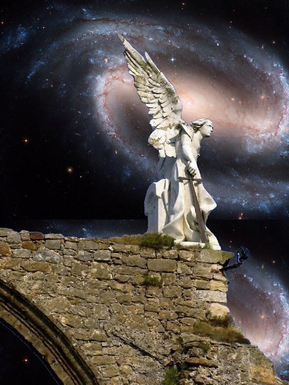 Anjo, cemitério de Comillas, Espanha.