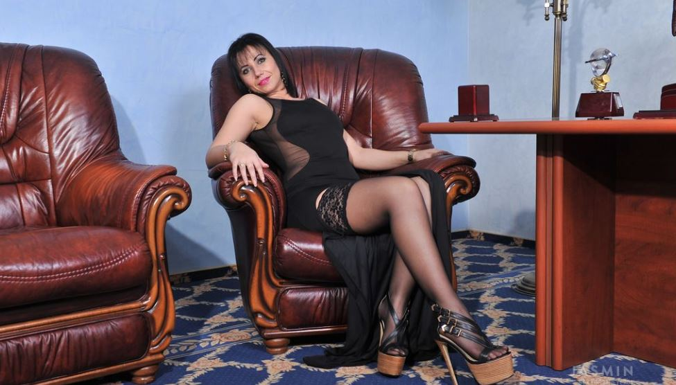 sexygr33neyez01 Model GlamourCams