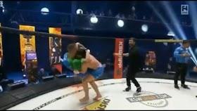 Tak Terima Muslim Dihina, Jagoan MMA Banting Lawan Meski Sudah Menang Duel