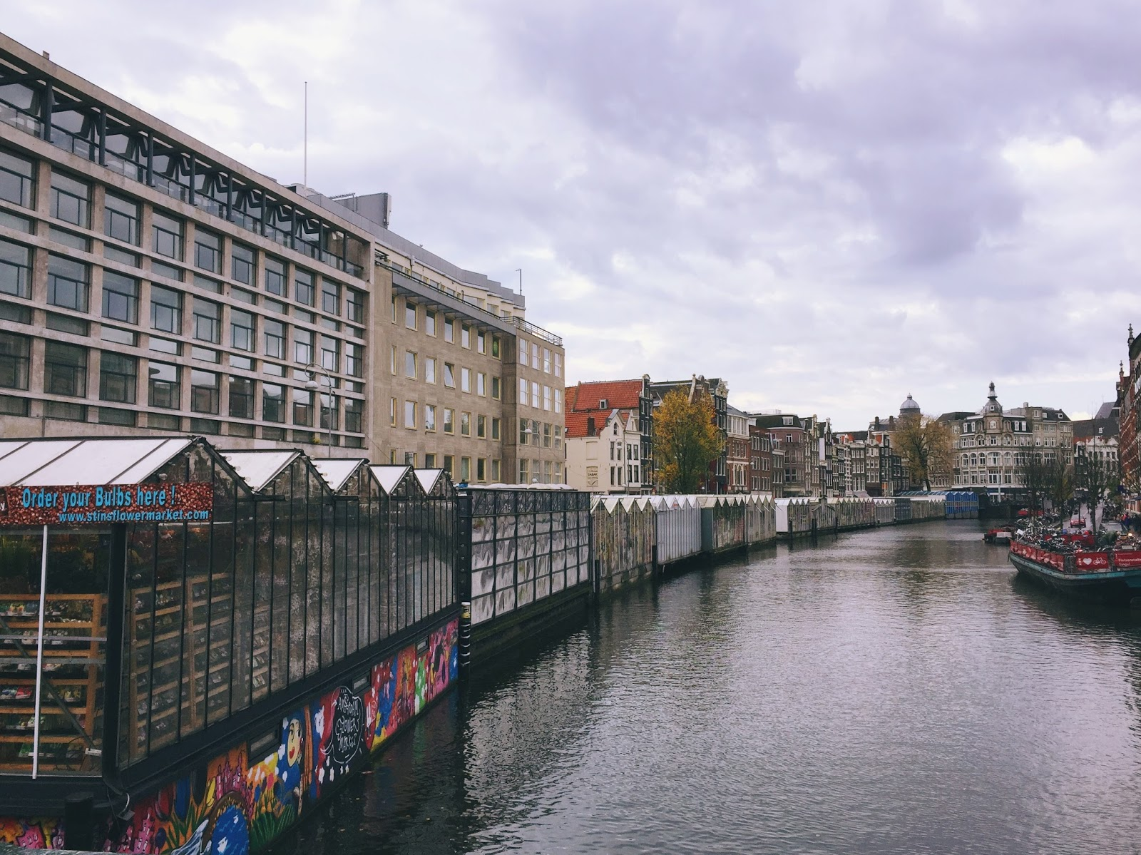 Bloemenmarkt - The floating flower market